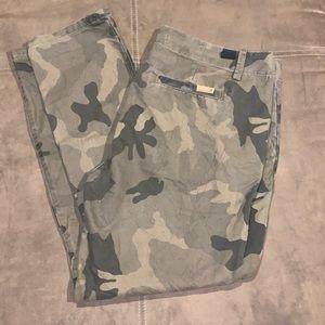 Joe's Skinny Camo Pants Size 29